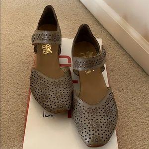 Reiker leather sandals